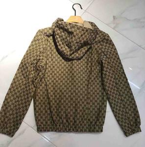 Design Jacke 2019 Fashion Tide Mens-Jacken-Mantel beschriften das gedruckte LuxuxMens Hoodie beiläufige Pullover Sport Mantel Outdoor-Bekleidung Windschutz