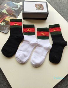 Wholesale 4Pairs Lot New Bee Embroidery 100% Cotton Socks Ladies Comfortable Cotton Black White Striped Socks With Box