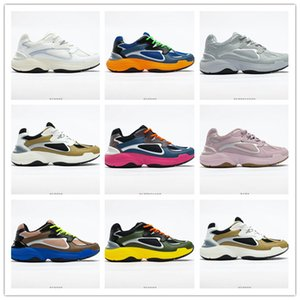 TOP Quality 2020 Double layer combination rubber wear resistant outsole men women running shoes french fashion brand designer shoes
