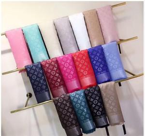 красивых и высококачественные женские осенние и зимние шерстяные и шелковые шарфы монограмма цветок дизайн шарф платок 205