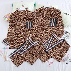 Uzun Kollu İpek Çift Ev Giyim İki adet Kadın ve Erkek Eşleştirme Pijama Takımı Yaka Gecelik aşağı çevirin