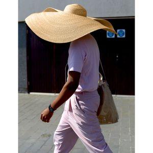Fashion Large Sun Hat Beach Anti-UV Sun Protection Foldable Straw Cap Cover Visor Hat huge d90624 Y200602
