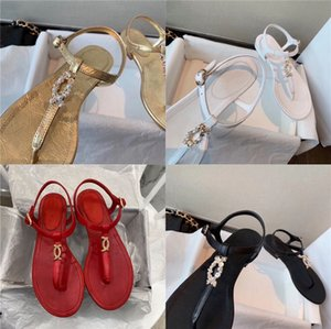 2020 Sommer-neue Retro- hohle echten Leder-Frauen Sandale Hausschuhe Licht Komfort Art und Weise beiläufige Sandelholz-weiche Unterseite Flache Sandalen # 105