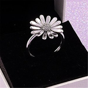 2020 New Spring 100% 925 d'argento europea Pandora Jewelry Pave Daisy Flower Statement Ring per i monili delle donne