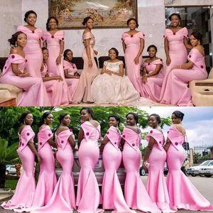 2020 African Rosa Brautjungfernkleider Lang Mermaid Günstige weg von der Schulter Trauzeugin Mermaid nach Maß Hochzeit Gast Kleid