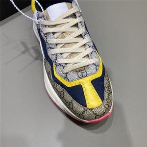 Rhyton Casual Shoes papà della scarpa da tennis di Parigi Fashion Designer uomini e le donne Scarpe con la zeppa Sport Strawberry Saluto Bocca Tiger Web Print