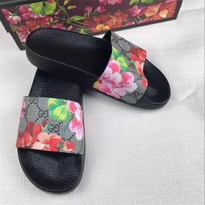 Роскошные дизайнеры Женская обувь резиновая паутина слайд сандалии роскошные сандалии тапочки пляжные мужские причинные легкие тапочки обувь