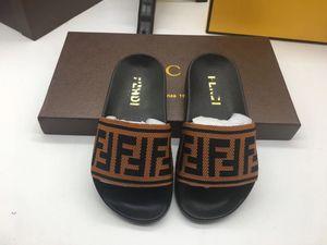 Fendi shoes 2020 nuevos zapatos de explosión zapatos de verano de los deslizadores de los bebés Boys Home zapatillas de playa sandalias para niños playa del verano de los