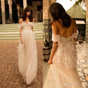 Liz Martinez 2021 Feather Sexy A Line Wedding Dresses Off the Shoulder Backless Boho Vintage Tulle Beach Floor Length Bridal Gowns