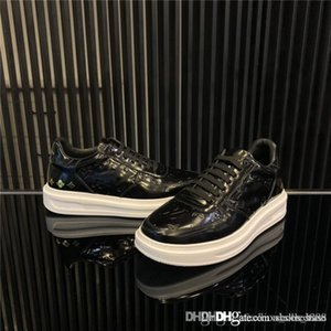 Mens 3D patterned small white shoes light fashion travel street photography daily running flat casual sneakers,Matching Packing