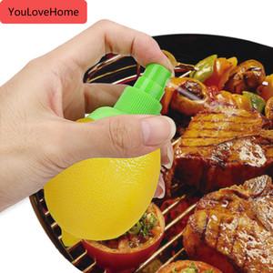 Для Кук Стейк куриный салат Напитки Лимон Распылитель 2pcs / компл апельсиновый сок выжимать Рука Соковыжималка фруктовый сок Citrus Spray
