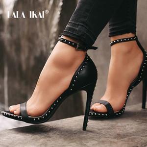LALA IKAI Mulheres Sandálias de Salto Alto Verão Salto Fino PU Couro Rebite Peep Toe Sexy Sapatos de Festa Sandalia Feminina 014C1845-45MX190824