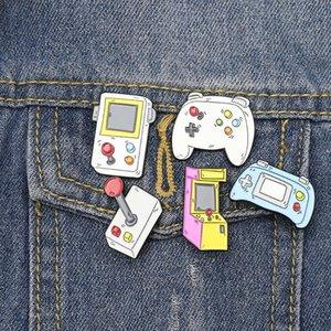 Retro Oyun Konsolu Makine Gamepad Pim Karikatür Emaye iğneler ve Sevimli Takı Hediye İçin Arkadaşa Broşlar