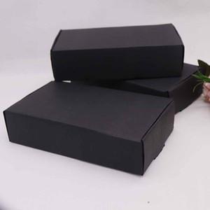 Düğün için 2019 10pcs oluklu kağıt kutusu DIY18.5x11x4.5cm siyah renk doğum günü partisi şeker kurabiye Noel hediye kutuları Yana