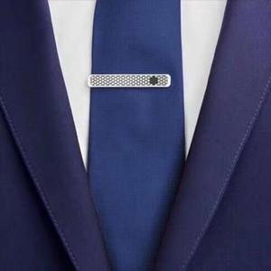 Envoi gratuit avec boîte-cadeau MB Hommes d'argent cravate noire simple clip d'affaires de mariage cravate Partenaire