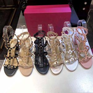 Hot Designer Venda de Luxo Moda Stud Sandals couro genuíno Slingback bombas Ladies Sexy Salto Alto Moda Rebites sapatos partido do salto alto