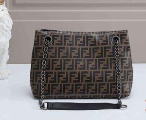 Deisigner shoulder bag for women Chest pack lady Tote chains handbags presbyopic purse messenger bag designer Padlock canvas wholesale