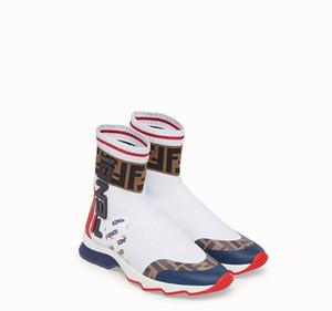 2018 Taille 35-45 Luxurious Marque Sport Chaussures De Course Pour Hommes Femmes Haut-top Blanc Noir Casual Extérieur Sneaker Chaussettes Baskets Designers Chaussures