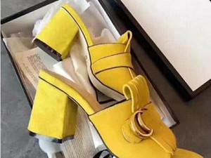 Sandalias calientes de espesor inferiores venta-caliente gruesa sandalias del talón de los zapatos de la oficina mayor de los zapatos de las mujeres vendedoras verde talones cortos niñas de la moda negro zapatos T5