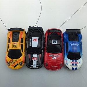 2018 Nouveaux Upgrade 8 couleurs 20Km / h Coke Can Mini RC Car Radio Remote Control Micro Car Racing 4 Fréquences jouet pour enfants cadeau