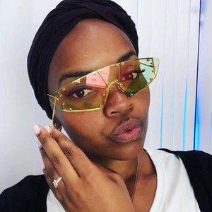 QPeClou metallo Rivet One Piece Cat Eye Sunglasses Donne Uomini 2019 Retro Moderna specchio di vetro di Sun signore Occhiali UV400