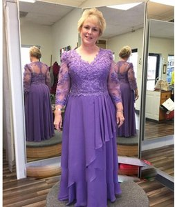 Purple Mother of Bride Dress Mother of Groom Suit Long Sleeve Lace Top Chiffon Floor Length Wedding Party Dress Formal Evening Gowns
