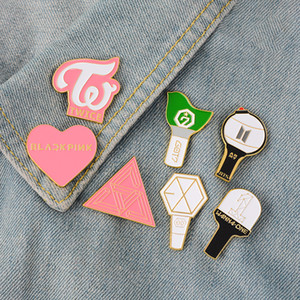 Idoles émail Pin BTS EXO Got7 DEUX FOIS BlackPink SEVENTEEN VEUX UN insigne Broche Épinglette shirt sac Jeans Bijoux cadeau