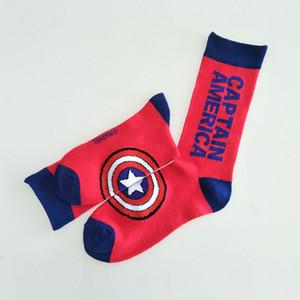 Lettera Socks 5 di stile degli uomini di modo calza colorata di supereroi fumetto felice Avengers Batman Marvel Comics Marvel unisex calza GJJ145 all'ingrosso