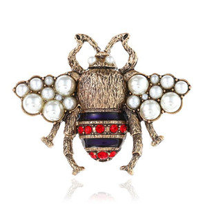 디자이너 브로치 핀 아연 합금 크리스탈 진주 패션 여성 복고풍 곤충 꿀벌 브로치 핀 앤티크 골드 쥬얼리 도매