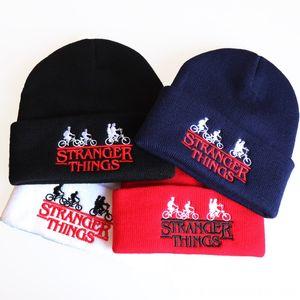 Hiphop Şapka Şapka Caps Kadın Garip Öyküsü Daha tuhaf şeyler İşlemeli Örme Beanie Arkadaş Dont Lie Erkek Caps Kış Şapka, Eşarplar G