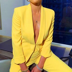 De dos piezas conjuntos de trajes Trajes Moda solapa del cuello con los botones del estilo del diseñador de los trajes de las mujeres de color amarillo Mujeres