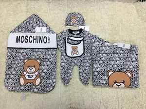 Nouveau-né package mis petite lettre de bande dessinée bébé ours Sac de couchage + couverture + costume salopette costume nouveau-né chaud 5pcs mis