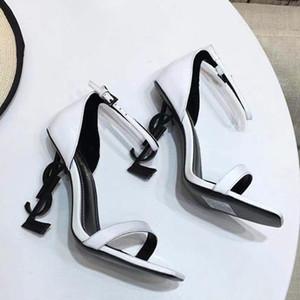 2020 Terlik Sandalet Yüksek topuk Slaytlar İyi Kalite Tasarımcı Ayakkabı Hayvan Tasarım Huaraches Terlikler loafer'lar shoe06 tarafından kadınlar için