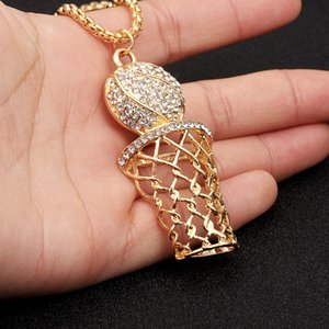 Hübsches Europa und Amerika HIOHOP Männer Hip Hop Halskette kreative Basketball Stand Diamant Anhänger grenzüberschreitende Versorgung Schmuck Großhandel