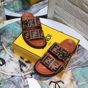 2019 con la scatola di marca calda Uomini sandali da spiaggia Slide Medusa Scuffs 2019 Pantofole da uomo bianco Beach Fashion slip-on sandali firmati US 5-12