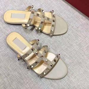Top Quality Designer di lusso scarpe da donna sandali Cassandra Opensandals Patent casuale di cuoio di modo della spiaggia del pistone Shoes Shoes Rivets