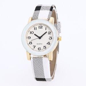 Студенты желают Взрывоза отдых ремень Shangri мелкомасштабной творческой цифрового дизайна персонализированных выпуклой поверхности кварцевых часов
