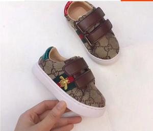 Çocuk ayakkabıları, deri spor ayakkabılar, erkek ve kızların sihirli etiketleri, açık hava tabanlı spor ayakkabılar