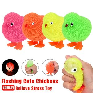 Hiinst Led Light Toys 6Cm Novelty Flashing Puffer Cute Chickens Squidgy Sensory Toy Activity And Play Ball Child Birthdays Gilf JDtYh