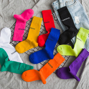 Puro estilo sport del color Cartas de tubo calcetines Harajuku fluorescente verde Calcetines MenWomen unisex calcetines de algodón de invierno de chicas