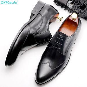 QYFCIOUFU punta aguzza scarpe Oxford per la moda maschile Lace-up Dress Scarpe Uomo intagliato affari Genuine Leather pattino convenzionale