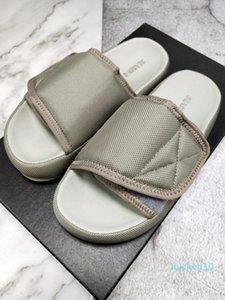 Последняя дизайнерских туфли Kanye запада сезон 7 сандалии тапочки OG Летнего пляж Крытых плоских Тапочки Шлепанцы сандаловых нейлоновые горки AL30