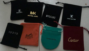 De nouvelles boucles collier d'arrivée emballage Boîte à bijoux Sacs à poussière Emballage petit anneau petits sacs cadeaux Sacs de poussière en gros