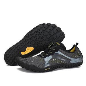 Лето Вода Мужчины пляж сандалии Upstream Аква обувь Человек Quick Dry River море Тапочки Дайвинг Плавание Носки Tenis T200523 Мужчина для