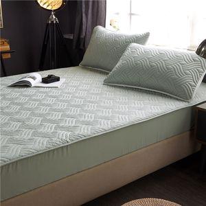 Cama cubierta 100% algodón tejido acolchado Protector de colchón Espesar rey Mattress Topper para la cama doble anti-ácaros de la cubierta