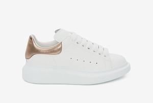 MC Estación de zapatos de moda de lujo de los hombres Zapatos de mujer de piel Lace Up Plataforma de gran tamaño Sole zapatillas Blanco Negro Zapatos Casual con la caja