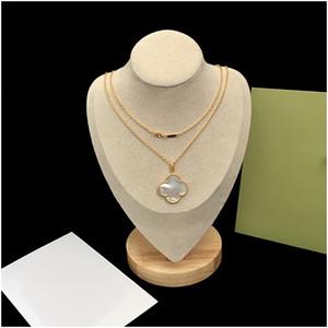 Розовое золото Four Leaf Clover ожерелье Модная титановый стали Коротким Box цепи ожерелья для женщин Валентина ювелирных изделий с коробкой с печатью