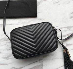 2019 Famosos bolsos de mujer de alta calidad de piel de becerro de cuero real con cremallera monedero chevron diseñador borla bolsa de mensajero suave lou bolsa de cámara