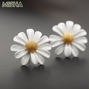 MISHA Fashion Stud Earrings for Women Handmade White Flower Earrings Charm Jewelry for Girls Ladies Party Wedding Gifts 2082
