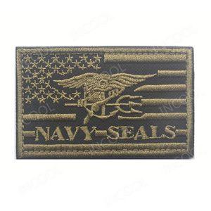 Toppa ricamata 3D Bandiera americana USA Toppa morale blu marino Emblema tattico Appliques Sigilli Distintivi Patch ricamate HookLoop